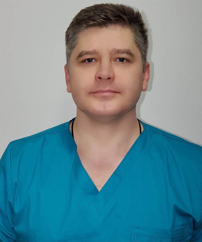 Ісаков Олексій Миколайович - лікар вищої категорії, клінічний імунолог, алерголог, гомеопат, мануальний терапевт, остеопат