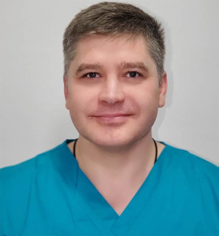Исаков Алексей Николаевич – доктор высшей категории, гомеопат, клинический иммунолог, аллерголог, мануальный терапевт, остеопат