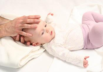 Краніосакральна терапія для немовляти