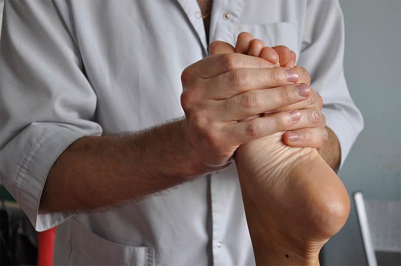 Лікувальний масаж ніг
