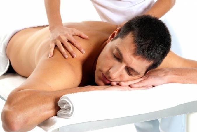 Классический общий массаж спины и тела