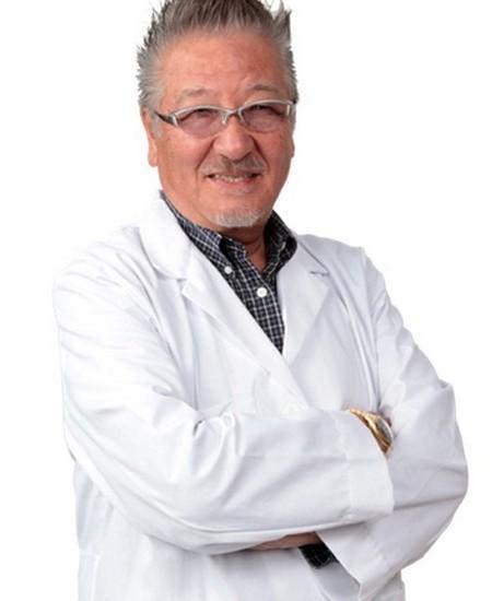 Японский хиропрактик Кензо Касе