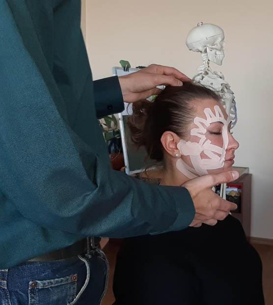 Кінезіотейпування в косметології