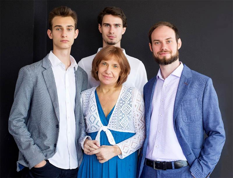 Колектив Центру здоров'я, краси та успіху The Vesnina Group