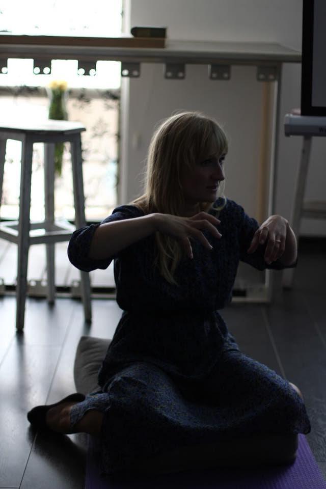 Александра Тиша - сертифицированная доула, представитель Ассоциация специалистов естественного родительства, сертифицированный инструктор по Triyoga